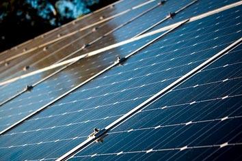 exemples de différents types de panneaux solaires